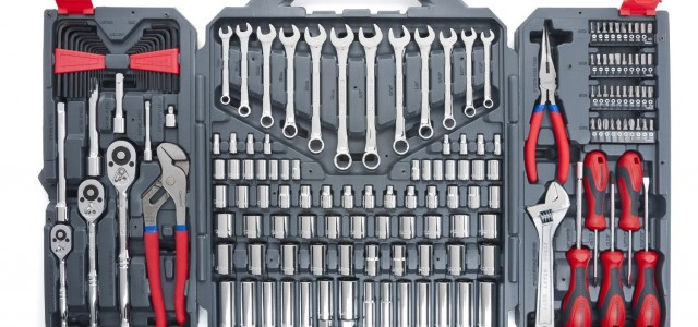 6 Must-Have Basic Tools For Car Repairs