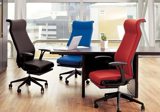 Top Reasons Why Comfortable Office Chairs Enhance